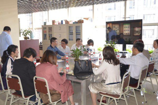 共青团扬州市委一行到国贸中心调研群团服务工作