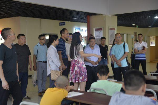 涪陵区委组织部、涪陵区市场监管局调研国贸中心党群服务中心