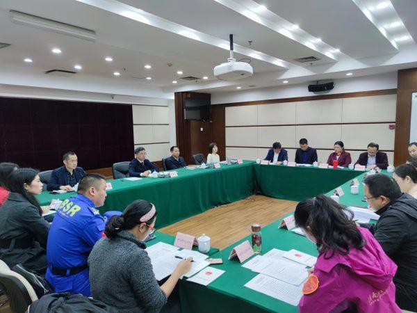 郑建参加重庆市学雷锋志愿服务交流座谈会